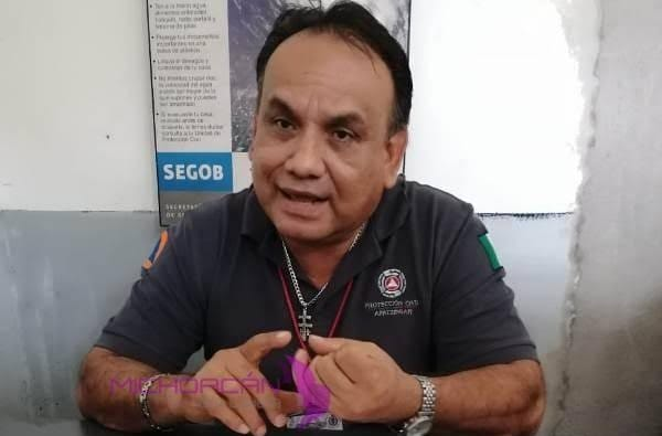 Aspira PC a comprar dos ambulancias: Barrera Solís